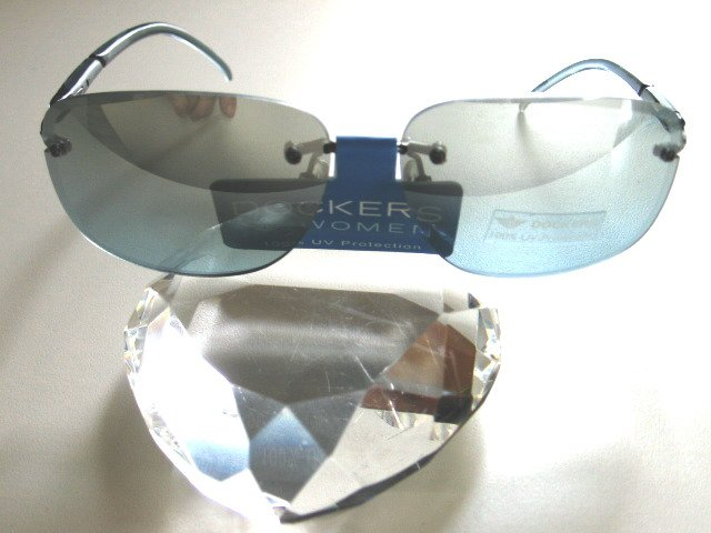 DOCKERS Women Blue Shaded Rimless Sunglasses D208-021