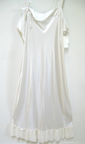 A0551 VERA WANG LINGERIE VANILLA SATIN SHORT GOWN, W207809, SIZE LARGE