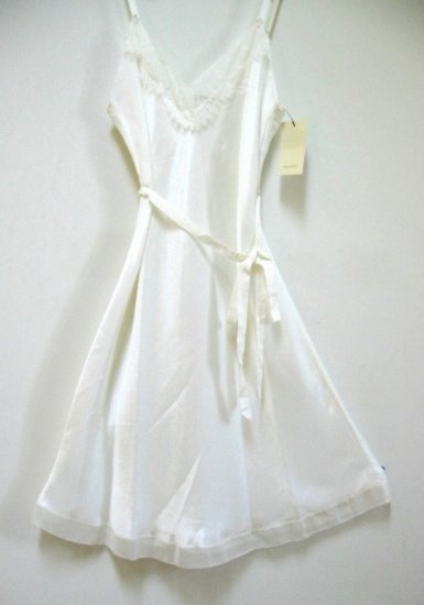 A0424 VERA WANG LINGERIE VANILLA SATIN SHORT GOWN W217911, SIZE EXTRA LARGE