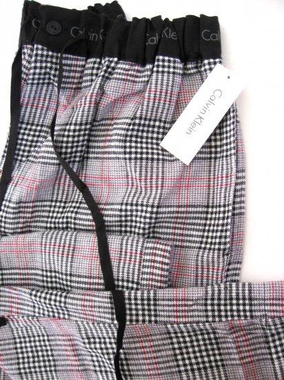 A0240 CALVIN KLEIN GRID FLANNEL LOUNGE PANT U5010D BLACK SIZE = LARGE