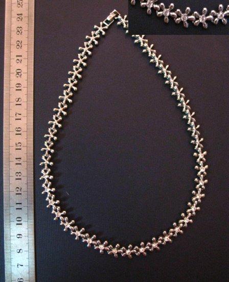 """Sparkling Silver Short Flower Design Necklace,15.9"""""""