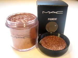MAC PIGMENT RUSHMETAL  HOT! RARE 1/4 TSP SAMPLE