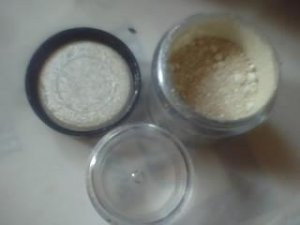 MAC PIGMENT WHITE SAMPLE SZ