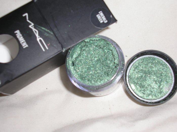 mac pigment EMERALD GREEN W0W L00K sample sz