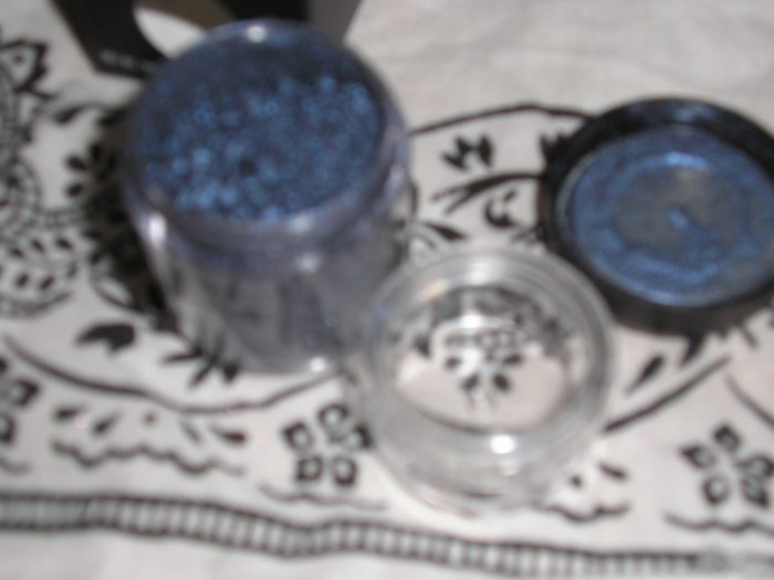 MAC PRO PIGMENT BLUE STORM! VERY RARE!!!! SAMPLE SZ