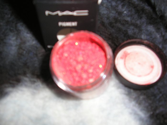 Mac Pigment   ELECTRIC CORAL! WOW 1/4 TSP SAMPLE SZ