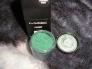 mac pro pigment LANDSCAPE GREEN! MATTE  SAMPLE SZ