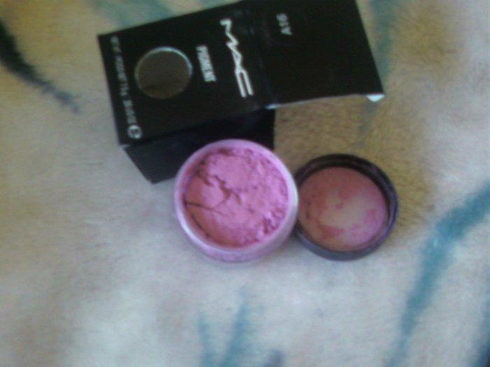 mac pigment pro PINK    matte..~~sample sz