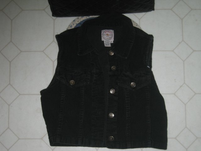 'Resisto' Girls Sz M Corduroy Vest