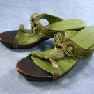NINE WEST INCA GREEN LEATHER WOOD SOLE SLIDES 6 M