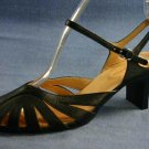 GREYHOUND FOOTWEAR BLK LEATHER ANKLE STRAP PUMPS 39/8.5