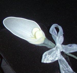 One Dozen Italian Mesh Calla Lily Confetti FlowerFavor