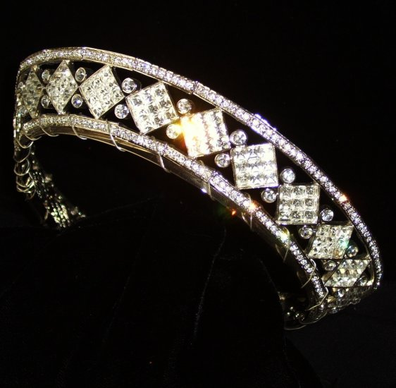 The Mirage Full Circle Tiara in Rhodium with Clear crystals