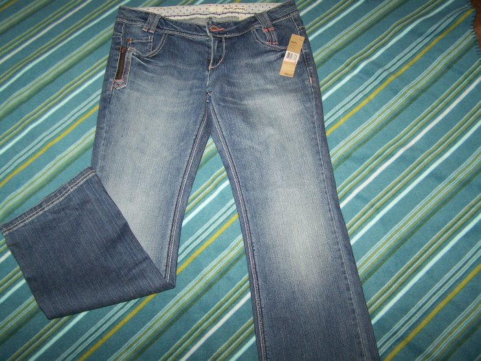 DKNY  BLUE JEANS  sz  13 NWOT! RETAILS FOR $ 69.00