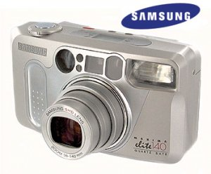 SAMSUNG® 35mm ZOOM CAMERA