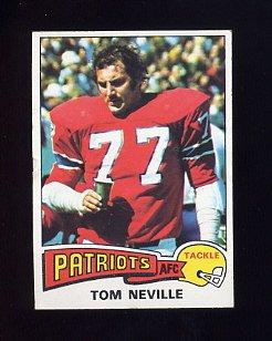 1975 Topps Football #493 Tom Neville - New England Patriots