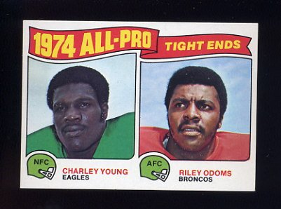 1975 Topps Football #207 Charley Young / Riley Odoms NM-M