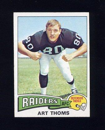 1975 Topps Football #123 Art Thoms - Oakland Raiders