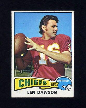 1975 Topps Football #120 Len Dawson - Kansas City Chiefs