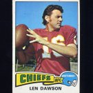 1975 Topps Football #120 Len Dawson - Kansas City Chiefs