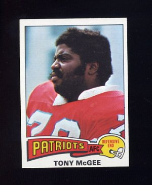 1975 Topps Football #41 Tony McGee - New England Patriots