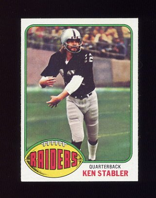 1976 Topps Football #415 Ken Stabler - Oakland Raiders