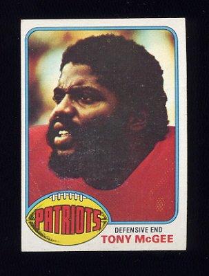 1976 Topps Football #224 Tony McGee - New England Patriots
