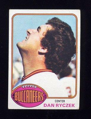 1976 Topps Football #366 Dan Ryczek - Tampa Bay Buccaneers