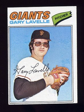 1977 Topps Baseball #423 Gary Lavelle - San Francisco Giants