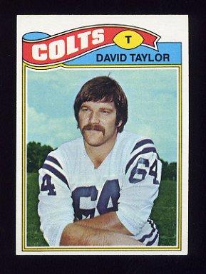 1977 Topps Football #524 David Taylor - Baltimore Colts NM-M