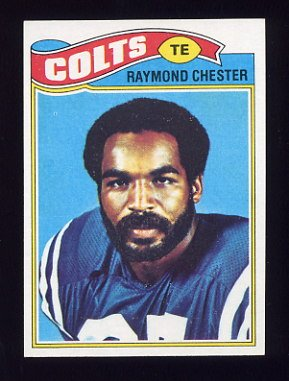 1977 Topps Football #351 Raymond Chester - Baltimore Colts