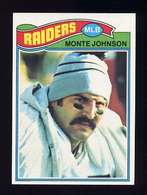 1977 Topps Football #077 Monte Johnson - Oakland Raiders