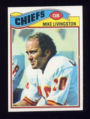 1977 Topps Football #058 Mike Livingston - Kansas City Chiefs