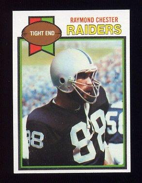 1979 Topps Football #189 Raymond Chester - Oakland Raiders