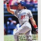 1997 Fleer Baseball #371 Mike Piazza - Los Angeles Dodgers