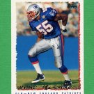 1995 Topps Football #202 Willie McGinest - New England Patriots