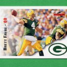 1995 Score Football #064 Brett Favre - Green Bay Packers