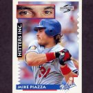 1995 Score Baseball #558 Mike Piazza HIT - Los Angeles Dodgers
