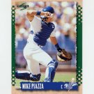 1995 Score Baseball #017 Mike Piazza - Los Angeles Dodgers