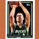 1992-93 Topps Gold Basketball #135G Fred Roberts - Milwaukee Bucks