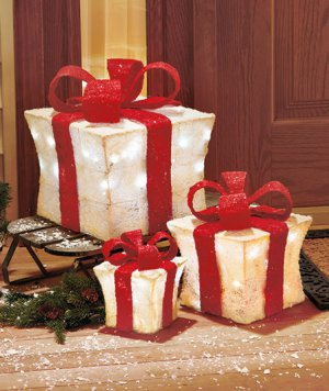 Set Of 3 Lighted Presents