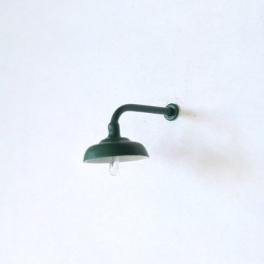 L-Shaped Lamp / Light for O-Scale Model Train Layout Buildings - Green