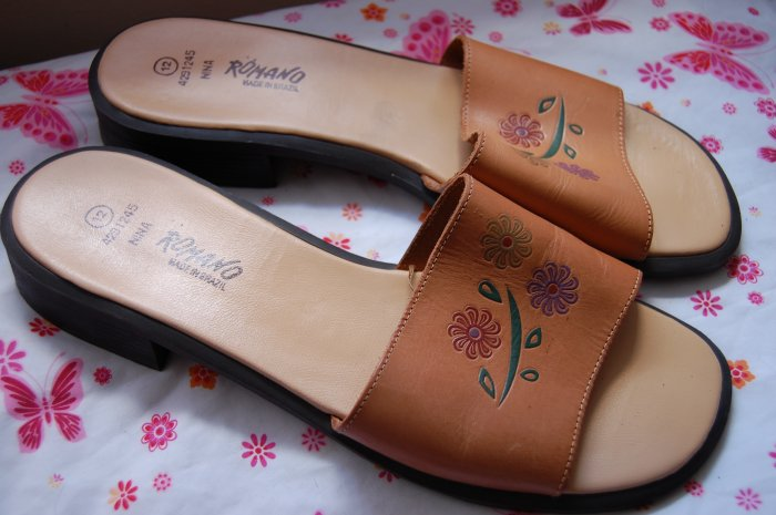 Brown Leather Romano Brazil Leather size 12 Flat Sandals Wo