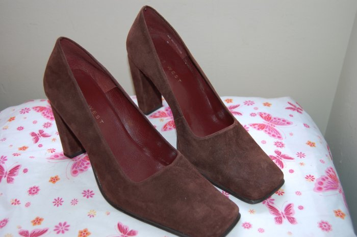 Vintage Nine West Leather Brown High Heel size 10 10.5 Pumps Womens Shoes