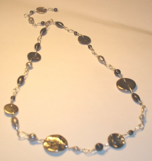 Playful button necklace - Black