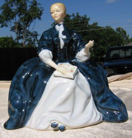 Royal Doulton Figurine  Laurianne  HN2719 HN 2719