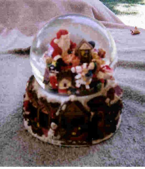 Santa's workshop snowglobe