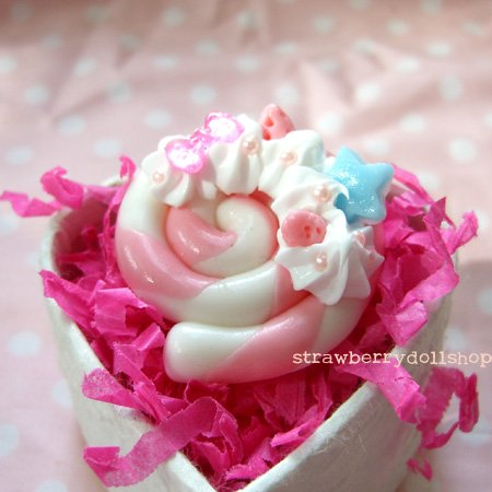 Lollipop ring [white x pink, pink berries, blue star]