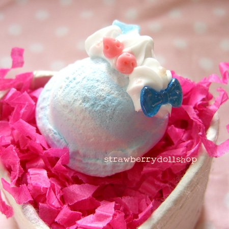 Ice cream scoop ring [size M, blue, pink berries]