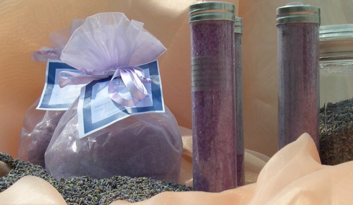 16 oz Lavender Rosemary Bella Bath Salts in an Organza Bag